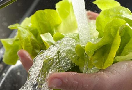 lavar mal as verduras
