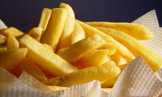 batatas pré-fritas congeladas